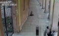 فيديو صادم يوثق لحظة قتل مهاجر مغربي بلكمة قوية من يد إيطالي والقضاء الايطالي يعتقله!