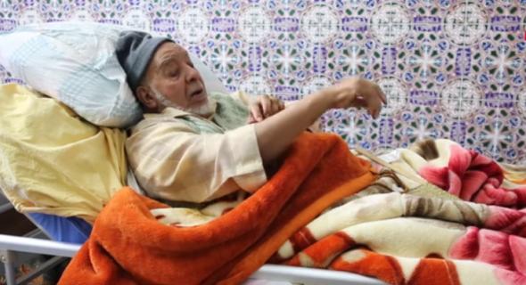 الفنان الكبير عبد الجبار لوزير ينفي إشاعة قتلته