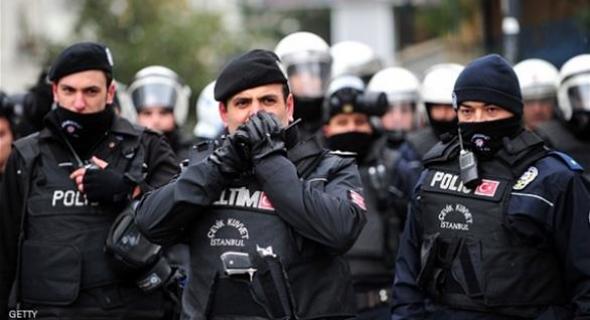 تركيا تعزل 8 آلاف من قوات الأمن