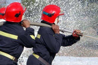 عاجل وياربي السلامة… عوتني شقة سكنية ببني ملال شعلات فيها العافية