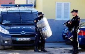دايرين الشوهة… مواجهات دامية بين مهاجرين مغاربة بالأسلحة النارية باسبانيا والشرطة تتدخل وتعتقلهم