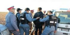 جدارمية ولاد مبارك مامفاكينش … اعتقال مروج خطير هارب من العدالة ومبحوث عنه من طرف الدرك والامن الوطني