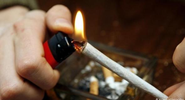 هدشي خطير…استهلاك مخدرات بكراج يتوسط مقاهي تهدد مستقبل تلاميذ أفورار