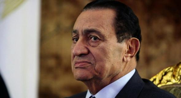 مصر… حكم نهائي ببراءة مبارك من قضية قتل المتظاهرين