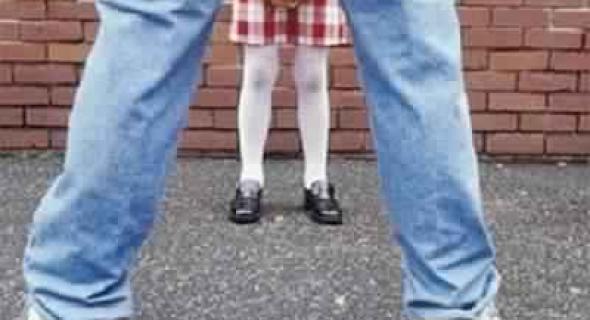 ردو لبال… بيدوفيل ثلاثيني يستدرج طفلة عمرها 5 سنوات ويغتصبها في ضيعة فلاحية