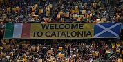 مشجعو برشلونة يطالبون بالاستقلال عن إسبانيا ويرفعون 30 ألف علم كتالوني في لقاء سيلتيك