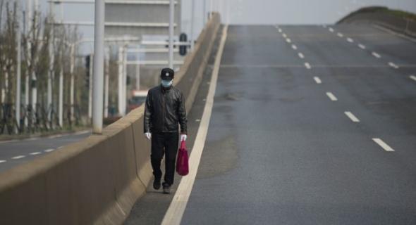 الشرطة الإيطالية تُصادف رجل قطع مسافة تزيد على 450 كلم مشيا على قدميه بسبب زوجته !
