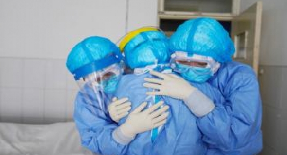"""روسيا تعلن رسميا موعد بدء الإنتاج الصناعي للقاح """"سبوتنيك-V"""" المضاد لكورونا"""