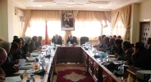 المجلس الإقليمي لازيلال يصادق بالإجماع على مشروع الميزانية الإقليمية ويبرمج الفائض التقديري برسم السنة المالية 2017