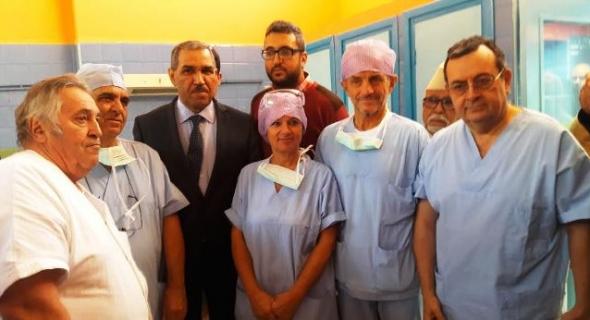 عامل إقليم أزيلال يشرف على تكريم أطر طبية سهرت على حملة طبية ناجحة بشركة مع أجانب