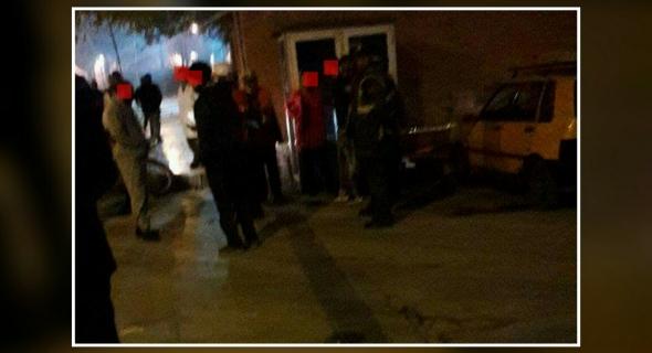 خطير وزواج الشوهة… هكذا أنقذت الشرطة سيدة من محاولة قتل بسكين على يد زوجها في الشارع ببني ملال -الصورة-