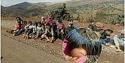 عاجل… صور صادمة من مسيرة 100 كلم مشيا على الأقدام من جبال أزيلال الى بني ملال واغماءات الأطفال وتشقق الأقدام