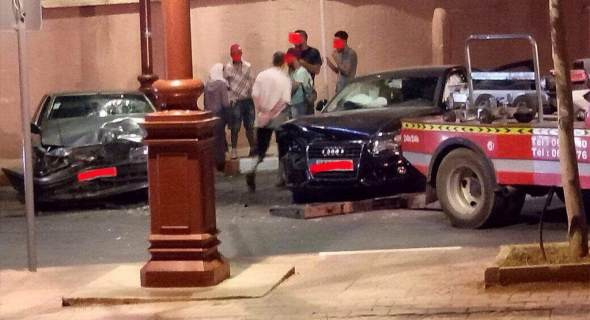 حادثة سير خطيرة داخل المدار الحضري بني ملال بين سيارة مرقمة بالخارج وسيارة مغربية وإصابة شخص بجروح