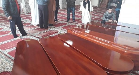 بالفيديو والله يرحمهم… صلاة الجنازة بمسجد بايطاليا على 7 جثامين لمغاربة ماتوا غرق في قوارب الموت