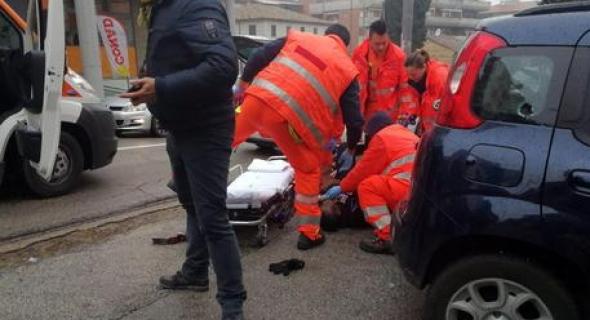 مصيبة هادي+فيديو!… مهاجر مغربي فاسبانيا ماعطاوش لمراتو لوراق وحرق راسو قدام مقر الشرطة الإسبانية