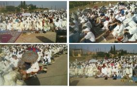 بالصور وفي جو حار… مئات المصلين يؤدون صلاة عيد الفطر بمصلى افورار