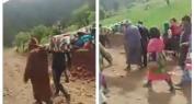 بالفيديو… نقل سيدة حامل عبر نعش للأموات بأعالي جبال أزيلال والساكنة توجه غضبها للمنتخبين