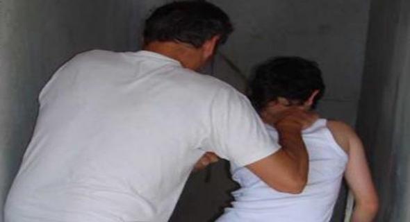 الكبت وما يدير… اعتقال شخص متهم  بالتحرش على طفل داخل حمام شعبي