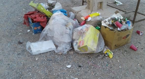 فضيحة…اختفاء المكلف بتدبير النفايات بأولاد كناو والجماعة تتستر وعمال يطالبون برواتبهم