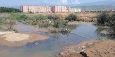 شوهة هدي… سكان إقامة الحمد ببني ملال تحت رحمة تلوث بيئي خطير -الصورة-
