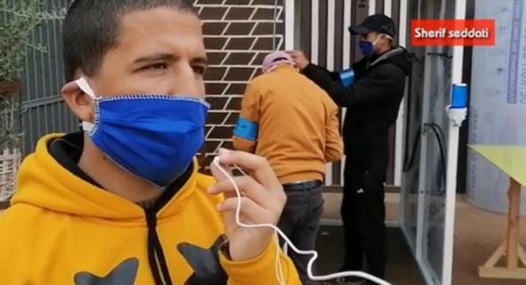بالفيديو… شباب ايت اعتاب يُصَنِّعون ممرات للتعقيم ويضعونها رهن إشارة سلطات أزيلال