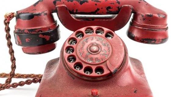 هاتف هتلر الأحمر يباع في المزاد العلني ب 243 ألف دولار