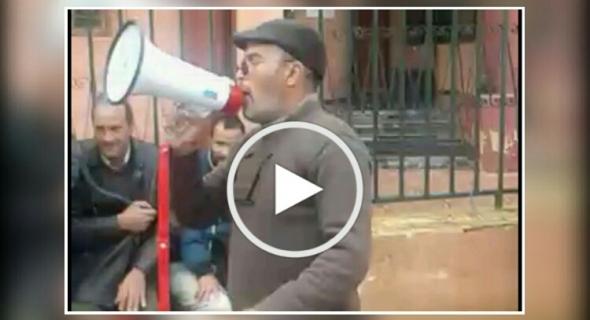 بالفيديو … أصحاب الطكسيات الصغيرة يقصفون سلطات بني ملال  وينتقذون طريقة منح المأذونيات وتشريد المهنيين