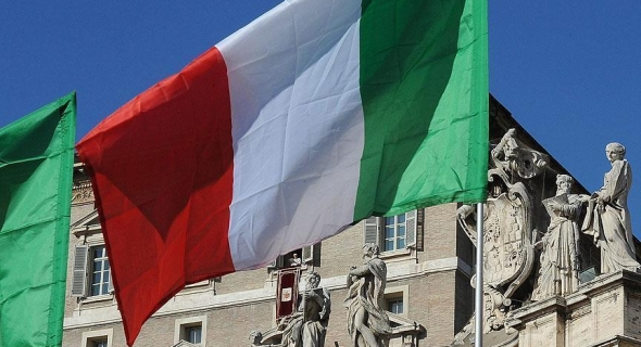 هدو فاتو حكومتنا فزيادات… حزب اليمين بإيطاليا يطالب برفع الضرائب على مستضيفي المهاجرين لتصل لـ600%