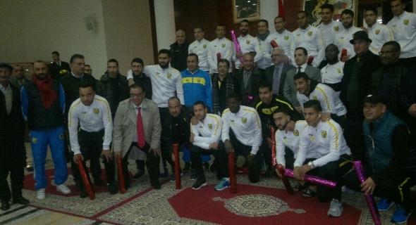 ولاية جهة بني ملال خنيفرة تخصص استقبالا كبيرا على شرف فريق المغرب الفاسي الفائز بكأس العرش