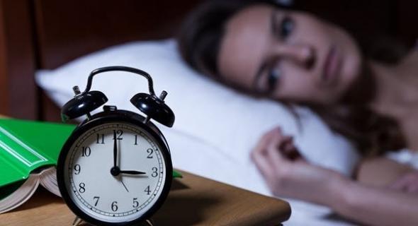 دراسة: قلة النوم لدى البالغين تزيد من خطر الإصابة بالخرف