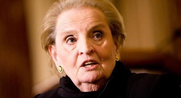 مادلين أولبرايت الوزيرة السابقة لخارجية أمريكا تتحدى ترمب وتتوعده باعلان إسلامها