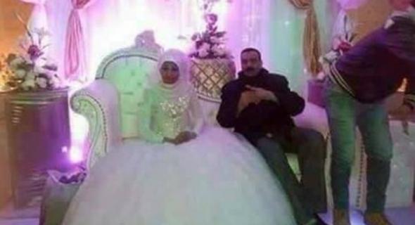 غريب… سلطات مصر تعتقل مسنة احتفلت بزفافها !