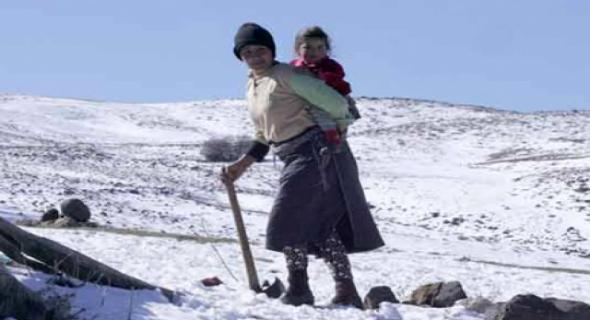 معاناة ساكنة الجبل مع قسوة الثلوج
