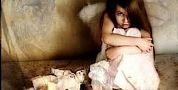 فضيحة… اعتقال مهاجرة مغربية تورطت في تحريض طفلتها ذات 9 سنوات على الدعارة مع سبعيني إيطالي