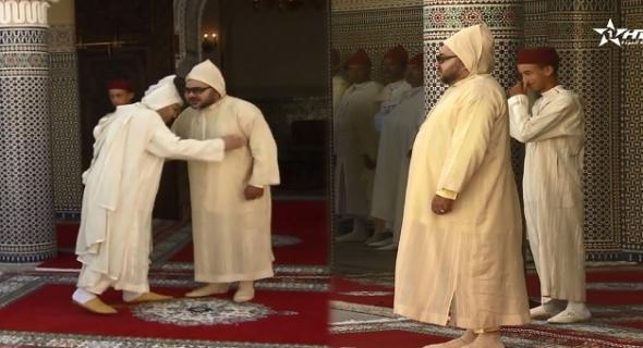 اللقطة التي أضحكت ولي العهد الأمير مولاي الحسن أمام الملك =فيديو=