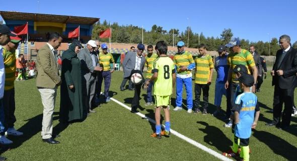 افتتاح الدورة الثالثة للمهرجان الكروي لجمعية مدرسة الرجاء الرياضي أزيلال لكرة القدم
