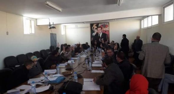 المجلس البلدي لازيلال يثمن عودة المغرب للاتحاد الافريقي و يصادق على مجموعة من الاتفاقيات بحضور ابراهيم مجاهيد