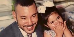 الأمير مولاي هشام العلوي ينشر صورة ناذرة و يُثني على جلالة الملك محمد السادس ويعترف بأفضاله وأخلاقه وتعامله مع بناته فائزة وهاجر=صورة=