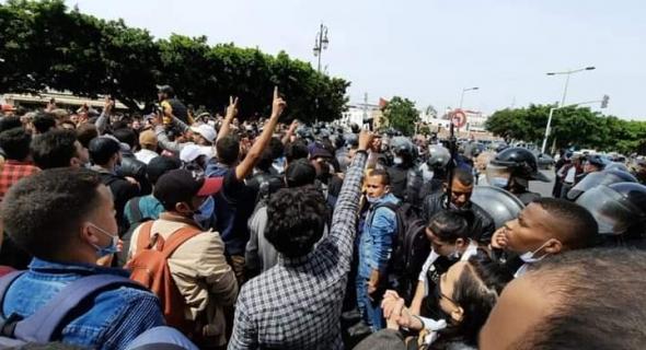اعتقالات وإصابات في صفوف أساتذة التعاقد في مسيرة الرباط وبرلمانية تُطالب باطلاق سراح المعتقلين والاستجابة لمطالبهم
