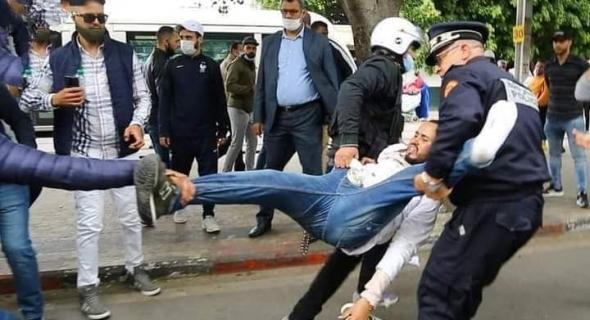 أساتذة التعاقد يحتجون بشوارع الرباط لليوم الثالث وتواصل الاعتقالات في صفوفهم والتنسيقية تُصعد وتمدد الإضراب!