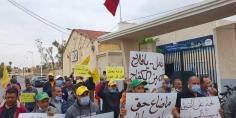 عمال النظافة الكدشيون يخرجون في مسيرة احتجاجية بالفقيه بن صالح ويوجهون مطالبهم لمحمد مبدع رئيس الجماعة