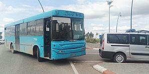 هدشي بزاف واستهتار … مرة أخرى عطب بحافلة زرقاء كاد يتحول إلى فاجعة وهكذا نجى دركيون من الدهس