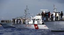 رئيس الوزراء الإسباني يوافق على استقبال المهاجرين السريين بسفينة اكواريوس العالقة في عرض سواحل البحر الابيض المتوسط