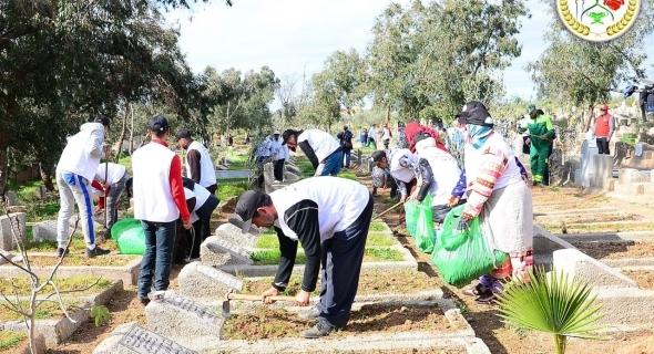 لي بغا الأجر يمشي يشارك… حملة تنظيف واسعة لمقبرة أولاد ضريد ببني ملال من تنظيم جمعية الخير للخدمة السريعة لاكرام الميت