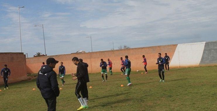 اتحاد أزيلال لكرة القدم يتعادل أمام أمل تزنيت و فيلة الأطلس يتألقون