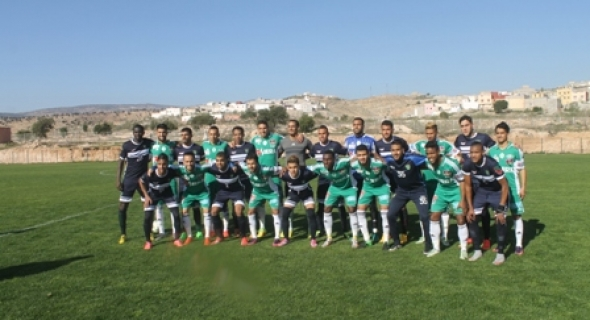 اتحاد أزيلال لكرة القدم يتعادل مع فريق الرجاء البيضاوي و عصام الشويخ في عيون الخضر