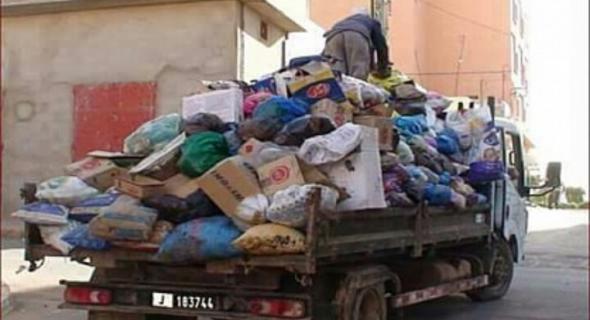 ساكنة بأولاد مبارك تريد جوابا حول طبيعة 20 درهم مقابل جمع الأزبال وهكذا تعاقب الجماعة من تأخر عن الأداء