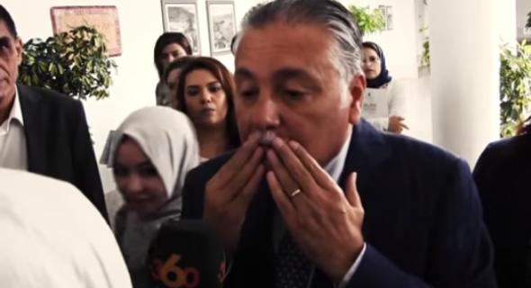 واالخلعة تلقي مني ..بالفيديو..نبيل بن عبد الله أمين عام حزب التقدم والاشتراكية صم بكم بعد بلاغ القصر