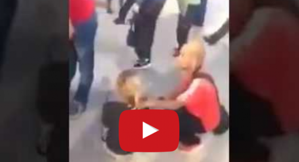 """بالفيديو..مواطنون يوثقون لحظات اعتداء خطير على ثلاثة هولانديين من طرف """"مشرمل"""" بالدار البيضاء"""