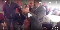 فيديو مؤثر… طفل إفريقي يبكي مغاربة وأفارقة في حفل نظمته جمعية أولاد سعيد للتنمية المستدامة ببني ملال